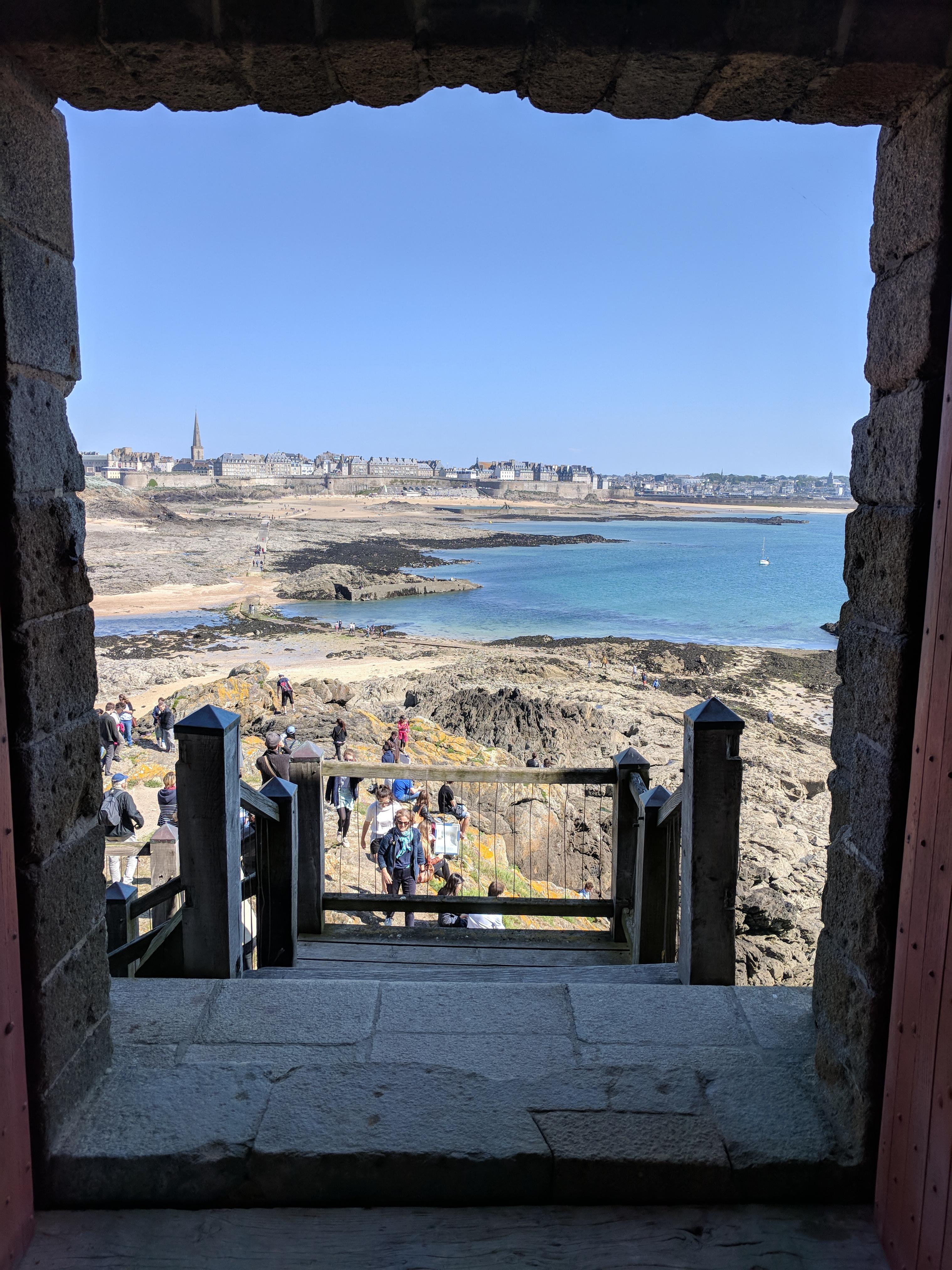 Saint-Malo depuis le Petit Bé