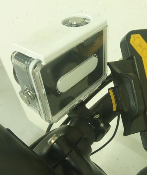 Montage de ma caméra sur mon vélo, vue de dos